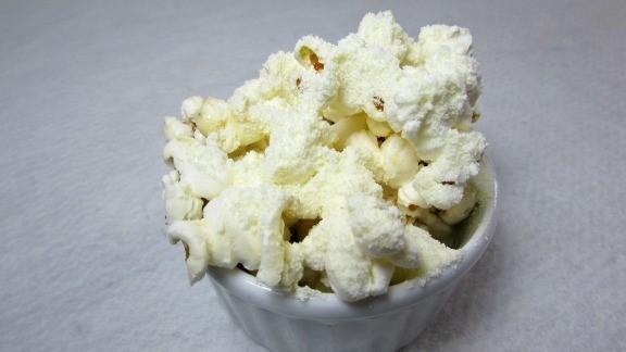 receita-de-pipoca-doce-leite-ninho