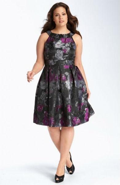 vestido para gordinha preto floral festa