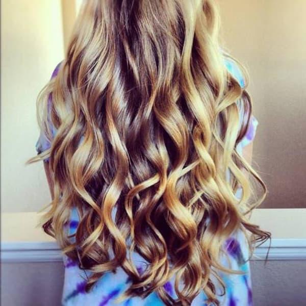 cabelos com luzes ondulado