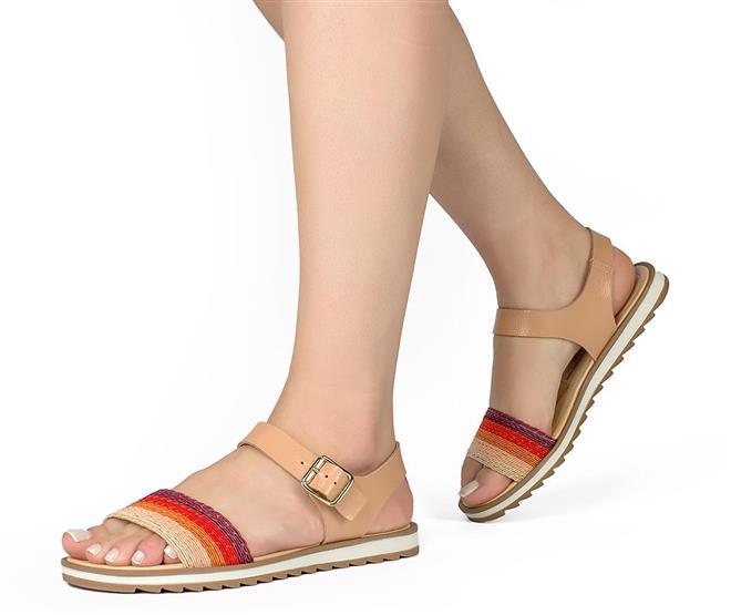 fc81591339 Sandálias do tipo rasteirinha também estão em alta em 2019. E a Dakota não  podia deixar de fora da sua coleção! (Foto  Divulgação)