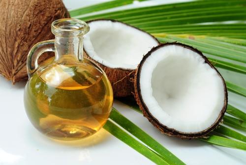 10 óleos naturais para ajudar nos cabelos