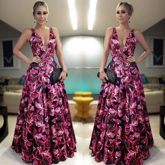 Modelos de vestidos longos com decote