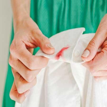 Como remover manchas de sangue