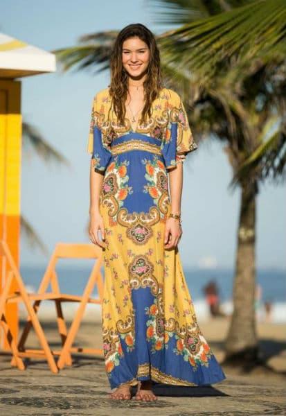 vestido longo estilo árabe