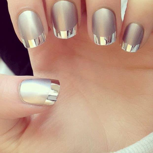unha decorada pratas com pontas brilhosas