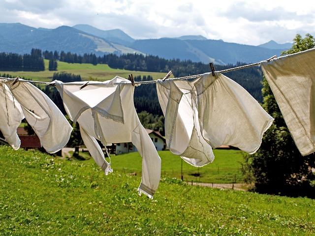 como evitar cheiro de molhado na roupa
