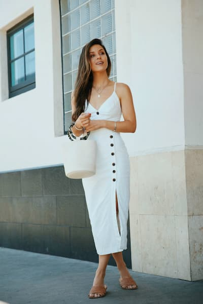 vestido de verao com botao e fenda